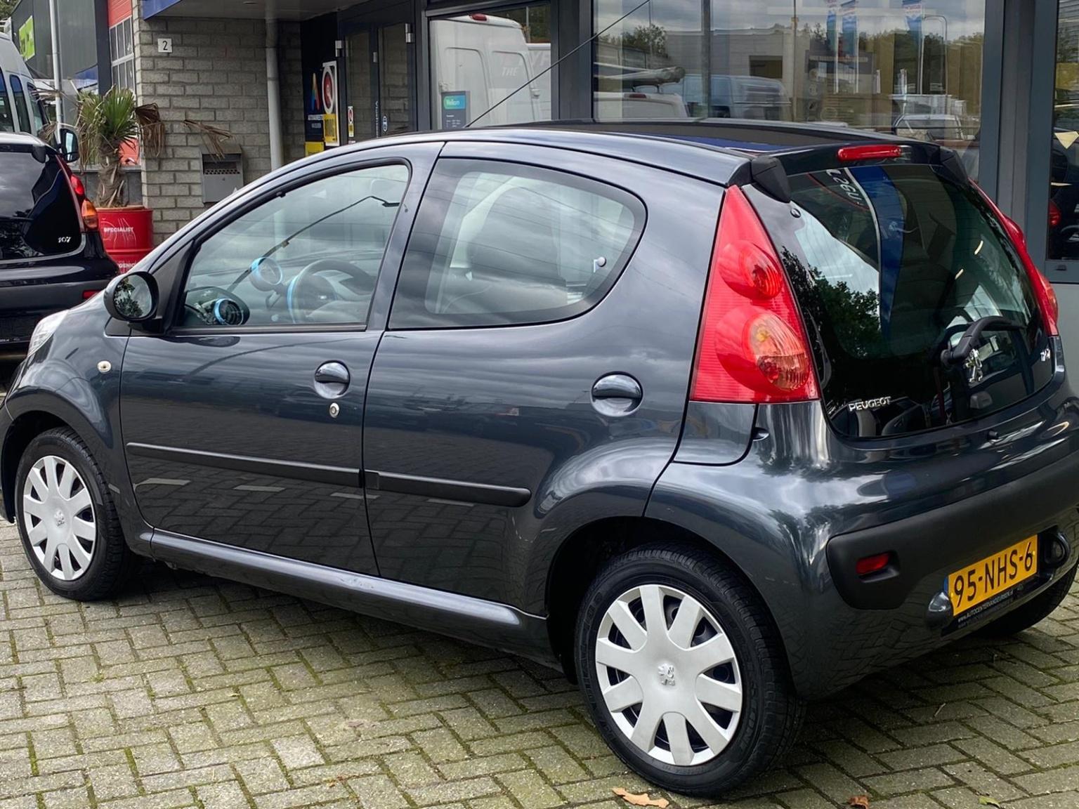 Peugeot-107-3